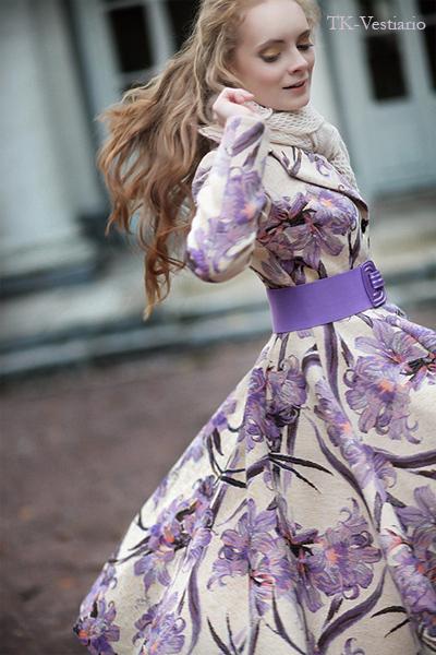 Пальто с цветами в стиле 50-х