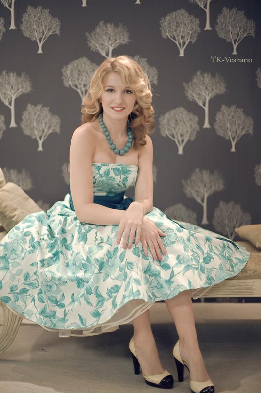 Платье с пышной юбкой в стиле 50-х Таисия Кирцова