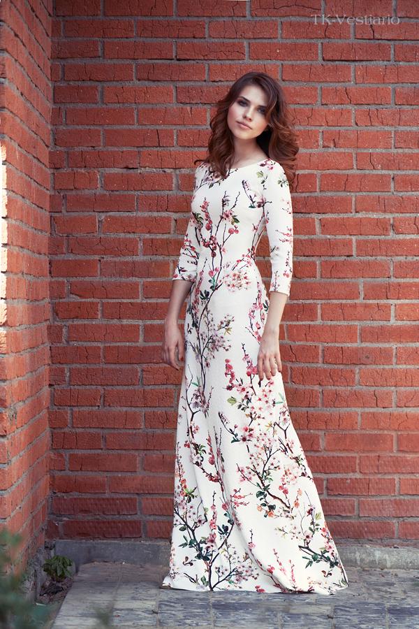 Таисия Кирцова Длинное платье с цветами сакуры