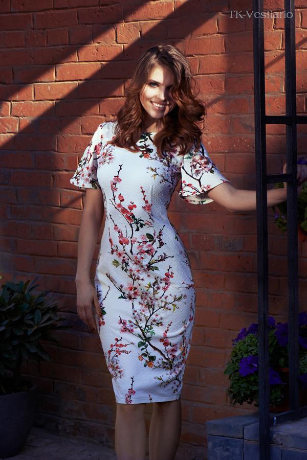 белое платье с цветами сакуры