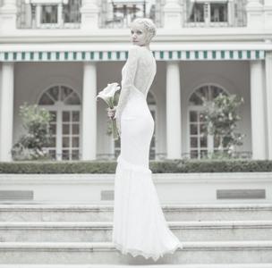 Свадебное платье русалка с кружевной спиной